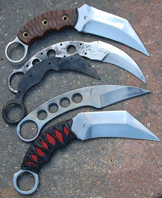 back_ups_karambit_carbone_et_titane_the_edge.jpg