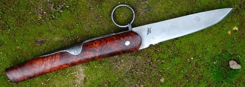 clasp knife lame de 9.8 cm forgée en wootz manche en loupe de palissandre du honduras 908