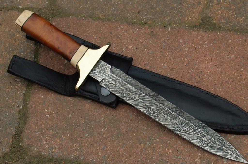 Dague de chasse forgé en damas
