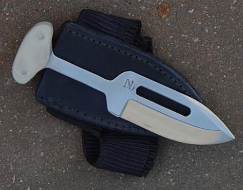push dagger, Angelina JOLIE, Lame de 8.5 cm, forgée