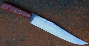 Bowie mountain man rendez vous lame de 23.5 cm forgée en xc 75 avec trempe selective, plaquettes de koa
