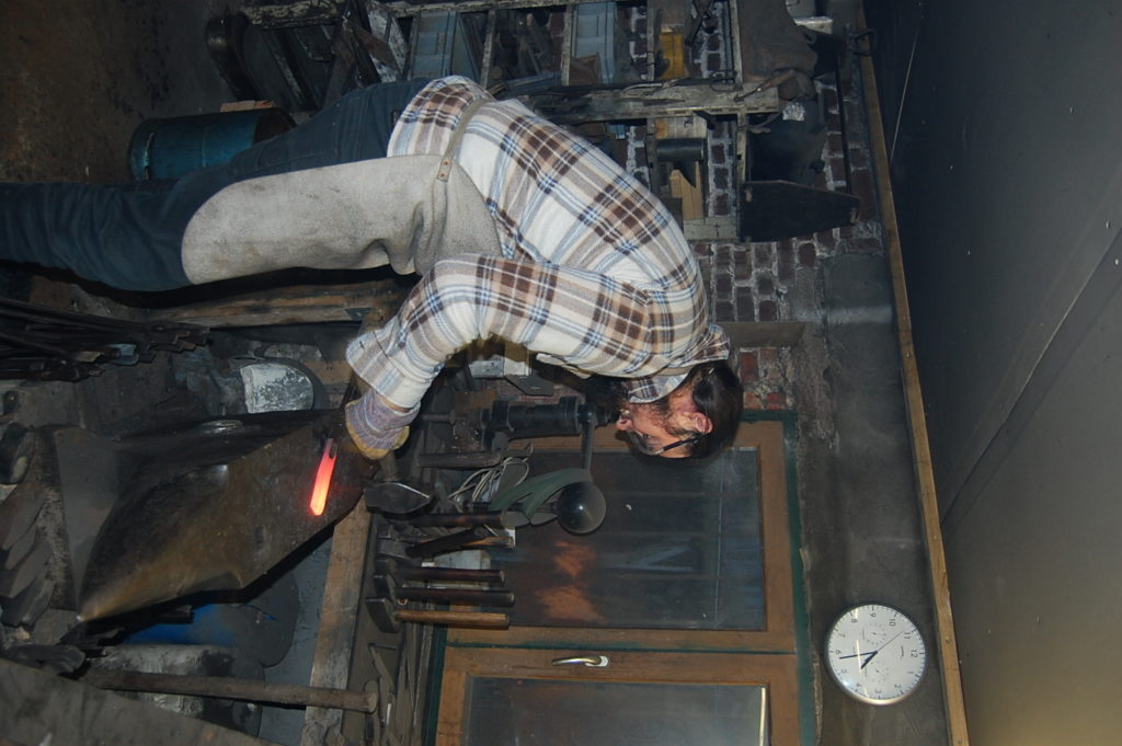 STAGE FORGE 1